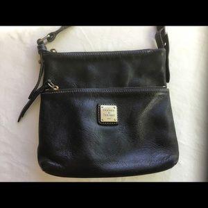 Black leather Dooney & Bourke crossbody messenger